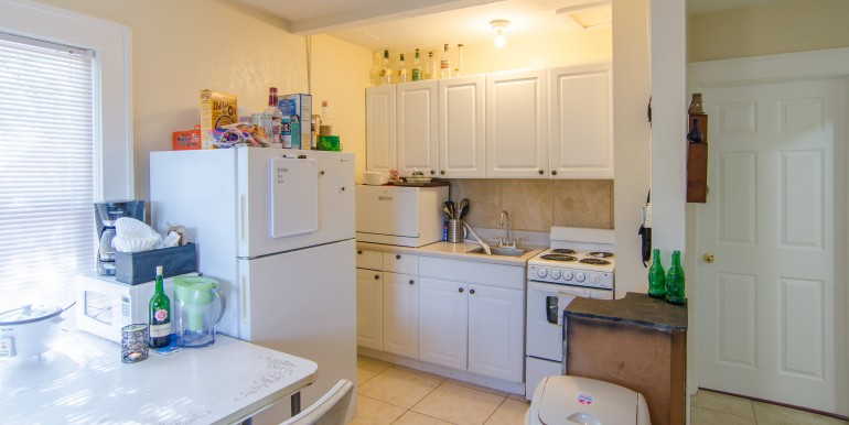 1255-10th-St-N-Saint-print-018-KitchenEating-Area-Apt-2-4200x2500-300dpi-770x386