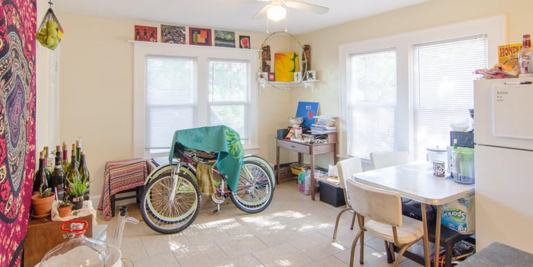 1255-10th-St-N-Saint-print-019-KitchenEating-Area-Apt-2-4200x2618-300dpi-770x386