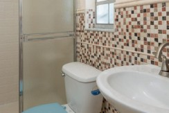 1624-Sheldon-Drive-Clearwater-large-017-Bathroom-800x1000-72dpi-770x386