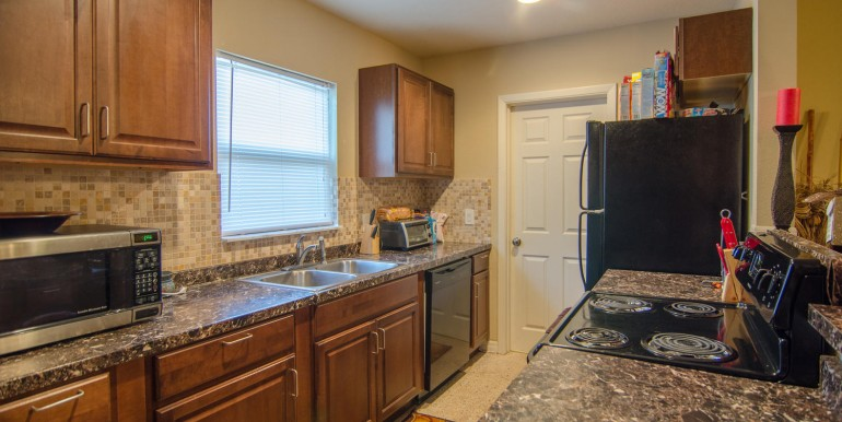 221-46th-Ave-S-Saint-large-005-Kitchen-1500x994-72dpi-770x386