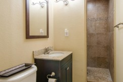 221-46th-Ave-S-Saint-large-010-Master-Bath-1500x994-72dpi-770x386
