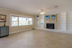 3830 Shore Acres Blvd NE Saint-large-005-Living Room-1500x928-72dpi