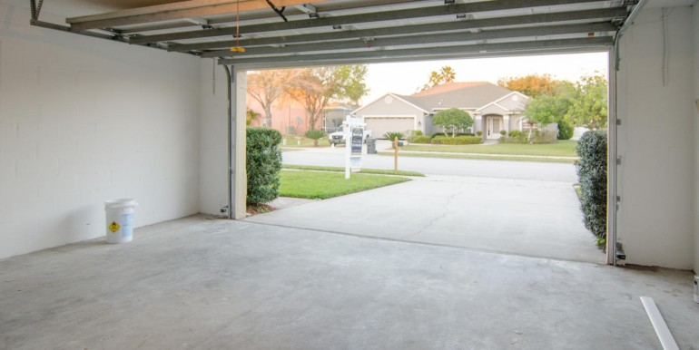 820-Christina-Cir-Oldsmar-FL-large-026-Garage-1500x994-72dpi-770x386