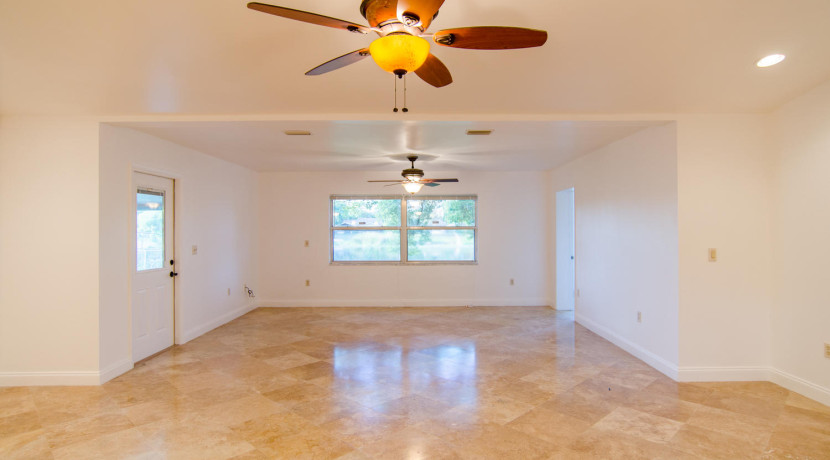 7243 57th Ave N Saint-large-009-7-Living Room-1500x994-72dpi