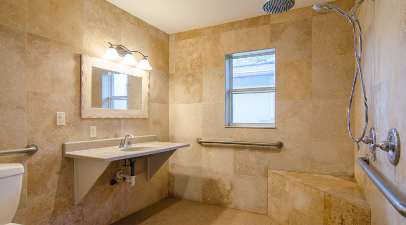 7243 57th Ave N Saint-large-016-17-Master Bath 2-1500x994-72dpi