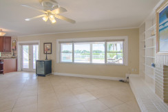 3830 Shore Acres Blvd NE Saint-large-006-Living Room-1500x994-72dpi