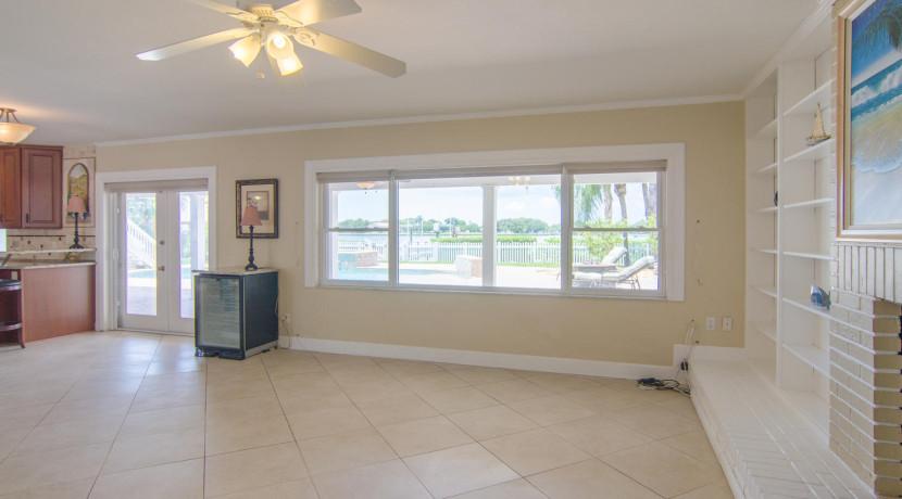 3830 Shore Acres Blvd NE Saint-large-006-Living Room-1500x994-72dpi