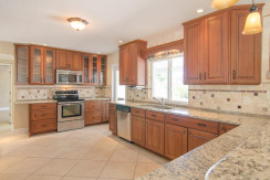 3830 Shore Acres Blvd NE Saint-large-007-Kitchen-1500x994-72dpi