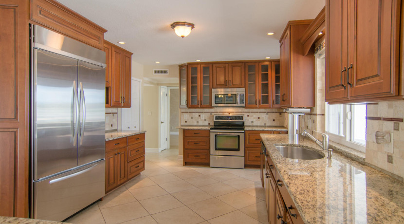 3830 Shore Acres Blvd NE Saint-large-008-Kitchen-1500x994-72dpi