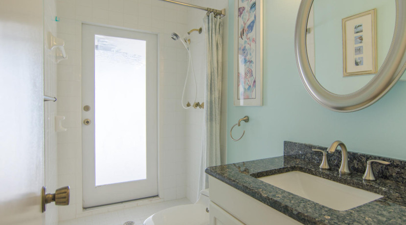3830 Shore Acres Blvd NE Saint-large-012-Bathroom-1412x1000-72dpi