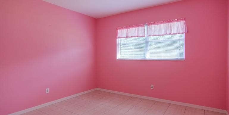 1720-Glen-Lakes-Blvd-N-Saint-print-016-14-Bedroom-2-4200x2782-300dpi-770x386