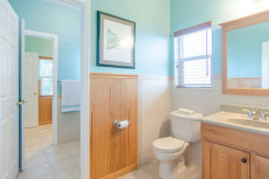 2043 Bayou Grande Blvd NE-small-019-33-Bathroom-666x423-72dpi