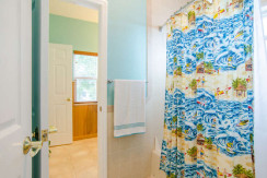 2043 Bayou Grande Blvd NE-small-020-42-Bathroom-666x442-72dpi