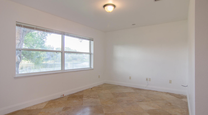 7243 57th Ave N Saint-large-015-14-Master Bedroom 2-1500x994-72dpi